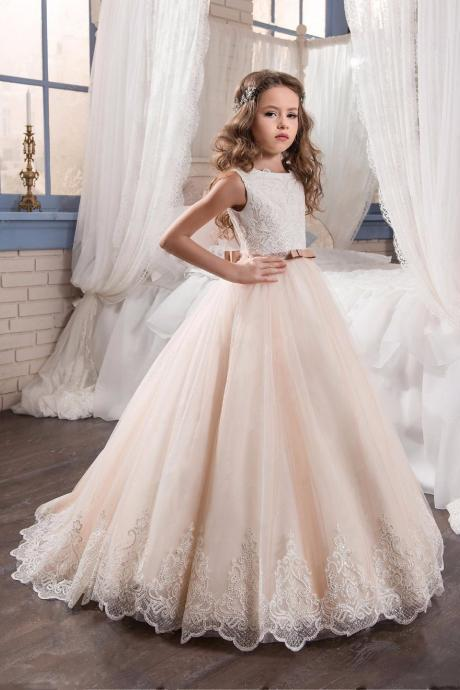 2017 Flower Girls Dresses For Wedding With Bows Scoop Organza Ball Gown Graduation Gowns First Communion Dresses For Girls
