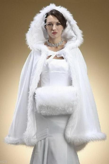 2018 New Stunning Hooded Bridal Capes Christmas Wedding Cloaks Faux Fur For Winter Long Sweep Train Wedding Bridal Cloak Bridal Wraps
