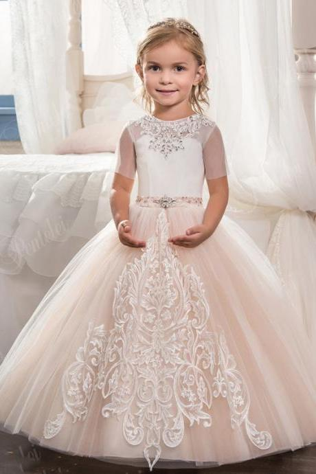 2018 Ball Gown Flower Girls Dresses For Wedding Short Sleeve Lace Appliques Little Girls Pageant Gowns First Communion Dress